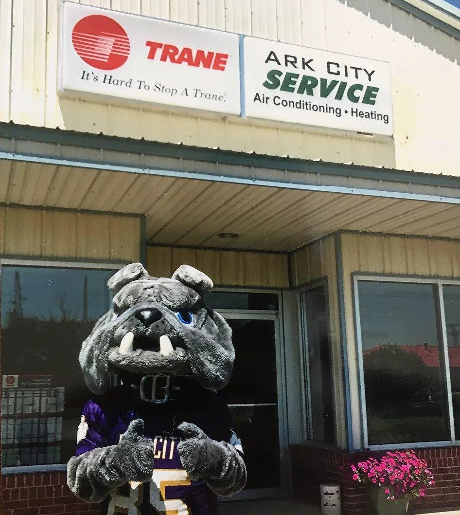 Ark City High School Bulldog Giving Ark City Service a Thumbs Up